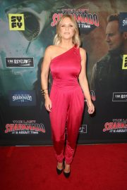 Carrie Keagan at The Last Sharknado: It's About Time Premiere in Los Angeles 2018/08/19 5