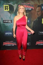 Carrie Keagan at The Last Sharknado: It's About Time Premiere in Los Angeles 2018/08/19 8