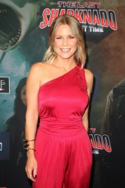 Carrie Keagan at The Last Sharknado: It's About Time Premiere in Los Angeles 2018/08/19 9