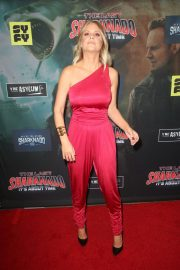 Carrie Keagan at The Last Sharknado: It's About Time Premiere in Los Angeles 2018/08/19 10