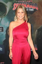 Carrie Keagan at The Last Sharknado: It's About Time Premiere in Los Angeles 2018/08/19 11