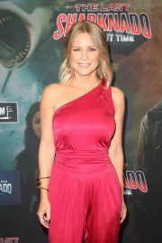 Carrie Keagan at The Last Sharknado: It's About Time Premiere in Los Angeles 2018/08/19 13
