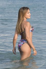 Catarina Sikiniotis in Bikini on the Beach in Mykonos 2018/08/29 10