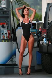 Charlie Riina for 136 Water at a Gas Station in Malibu 2018/08/14 15
