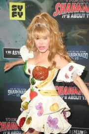 Charo at The Last Sharknado: It's About Time Premiere in Los Angeles 2018/08/19 5