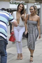 Chloe and Lauryn Goodman at Rosso Restaurant in Manchester 2018/08/13 10