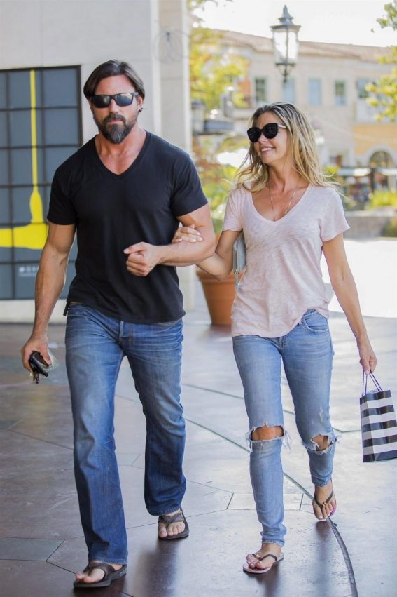 Denise Richards and Aaron Phypers Out in Calabasas 2018/08/14 1