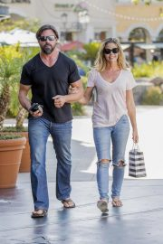 Denise Richards and Aaron Phypers Out in Calabasas 2018/08/14 5