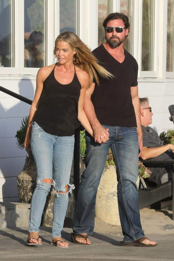 Denise Richards on the Set of Real Housewives of Beverly Hills in Malibu 2018/08/28 1