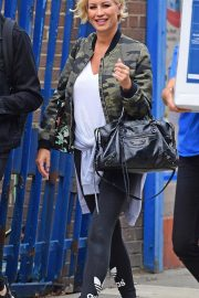 Denise van Outen Out and About in London 2018/08/15 5