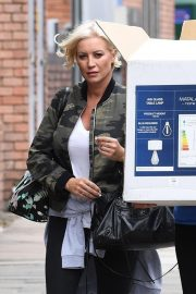 Denise van Outen Out and About in London 2018/08/15 9