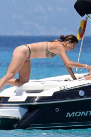 Garbine Muguruza in Bikini at a Boat in Ibiza 2018/08/08 7