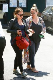 Hilary Duff and Haylie Duff Out for Lunch at Katsuya in Studio City 2018/08/14 1