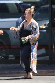 Hilary Duff and Haylie Duff Out for Lunch at Katsuya in Studio City 2018/08/14 10