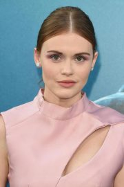 Holland Roden at The Meg Premiere in Hollywood 2018/08/06 4