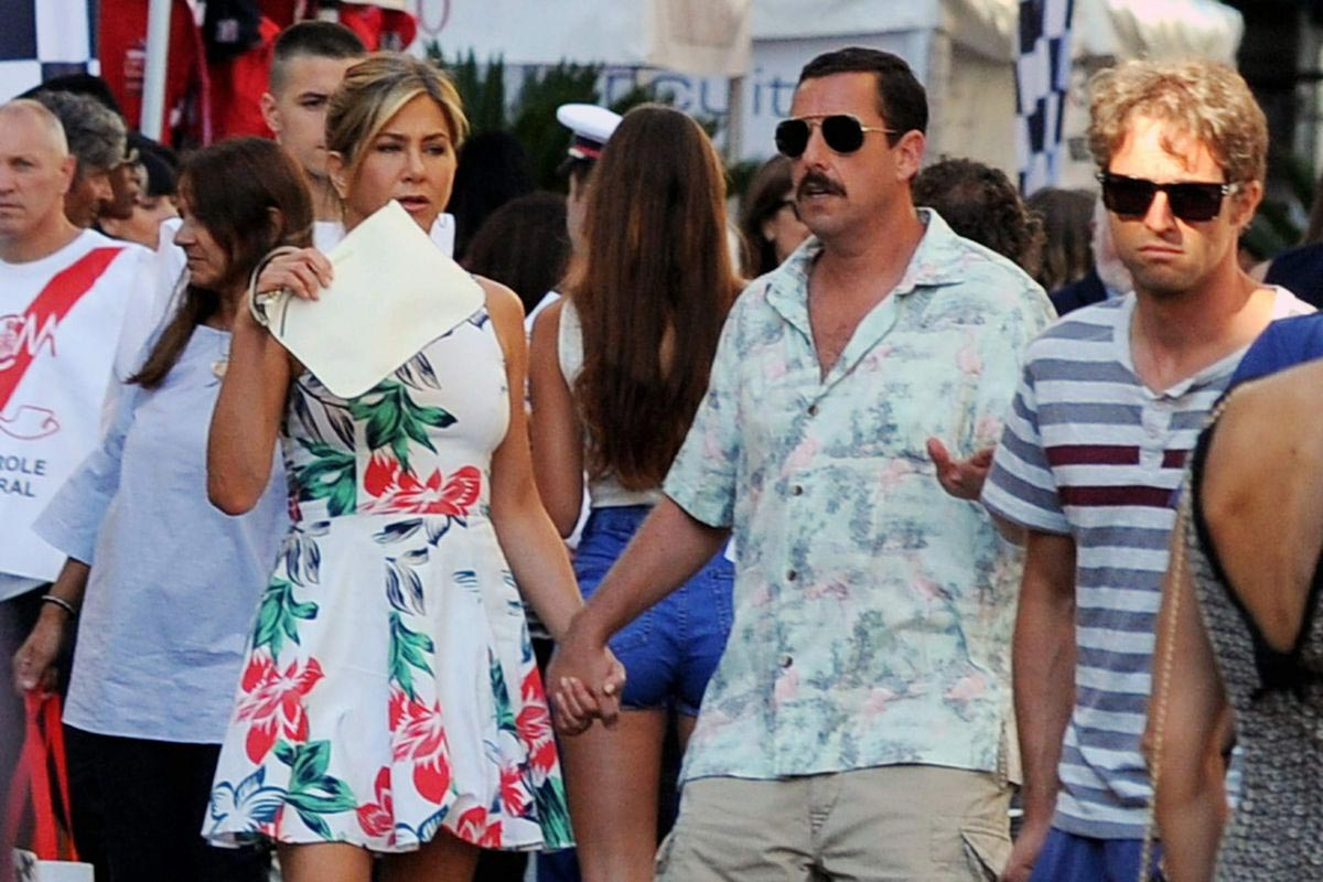 Jennifer Aniston and Adam Sandler on the Set of Murder Mystery in Milan 2018/08/27 1