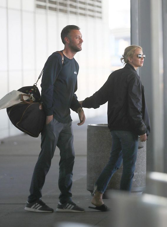 Jennifer Lawrence and Cooke Maroney at JFK Airport in New York 2018/08/23 1