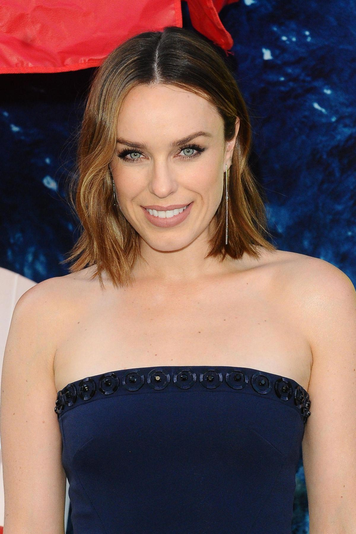 Jessica McNamee at The Meg Premiere in Hollywood 2018/08/06 1