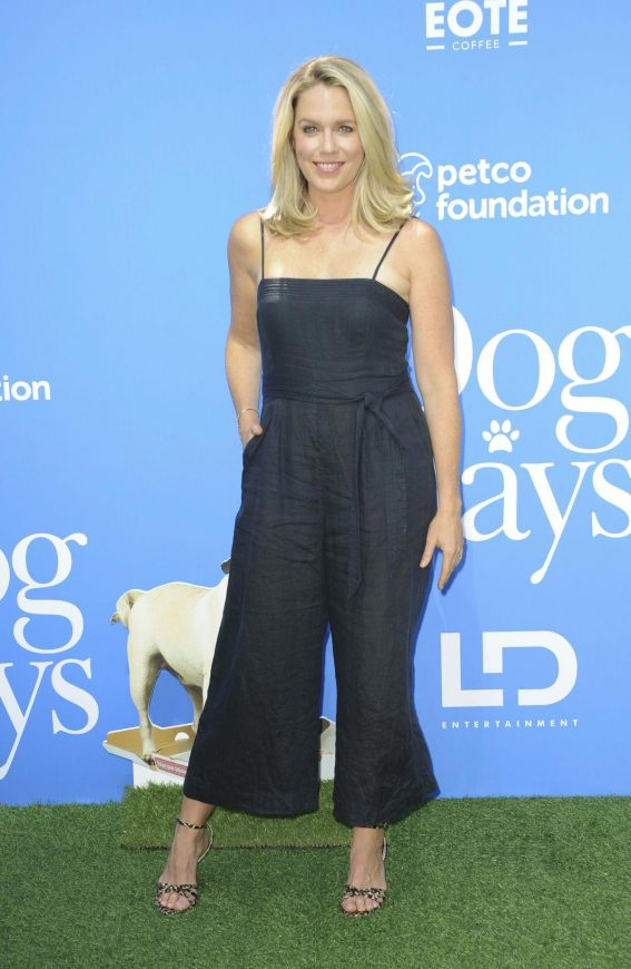 Jessica St. Clair at Dog Days Premiere in Century City 2018/08/05 1