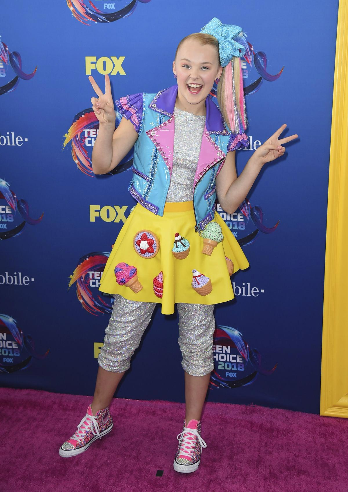 JoJo Siwa at 2018 Teen Choice Awards in Beverly Hills 2018/08/12 1