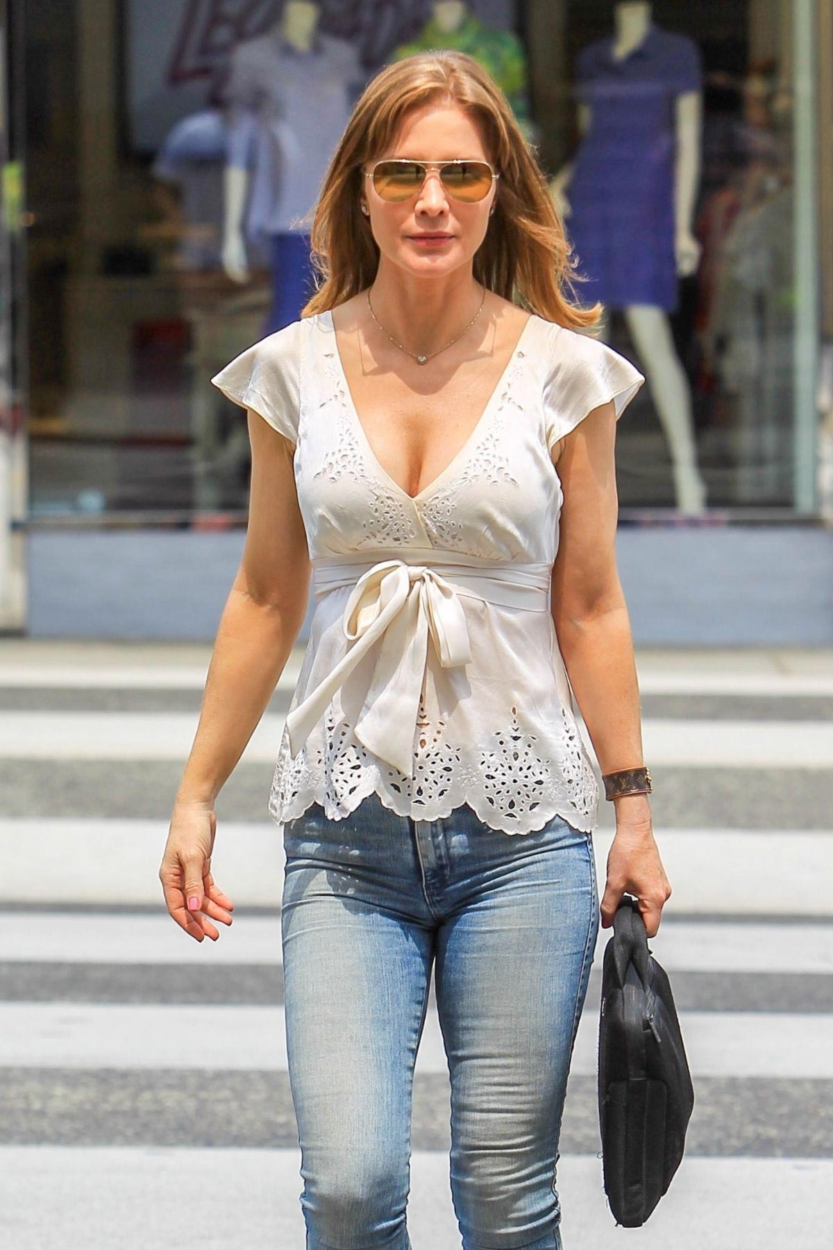 Josie Davis Out and About in Beverly Hills 2018/08/10 356369 ...