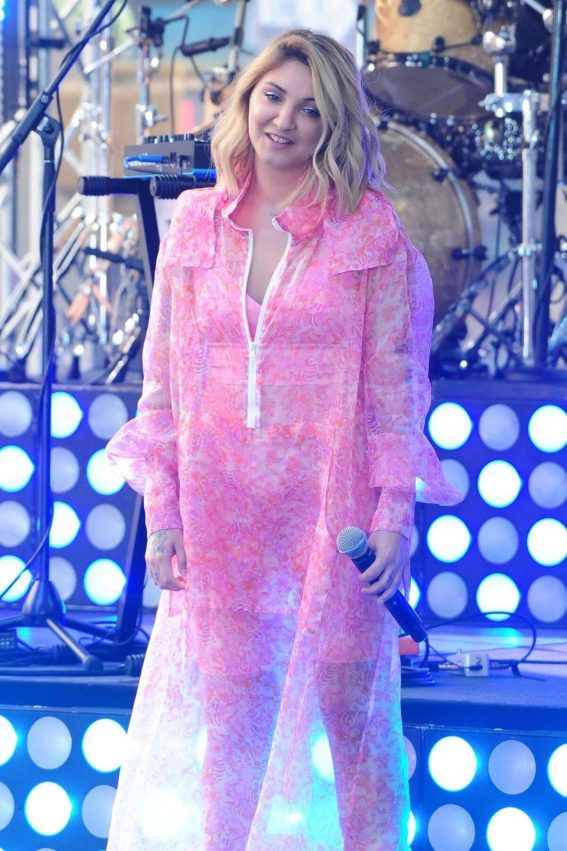 Julia Michaels Performs at Today Show Citi Concert Series in New York 2018/07/27 1