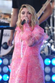 Julia Michaels Performs at Today Show Citi Concert Series in New York 2018/07/27 2