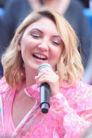 Julia Michaels Performs at Today Show Citi Concert Series in New York 2018/07/27 5