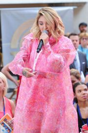 Julia Michaels Performs at Today Show Citi Concert Series in New York 2018/07/27 11