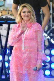 Julia Michaels Performs at Today Show Citi Concert Series in New York 2018/07/27 14