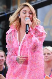 Julia Michaels Performs at Today Show Citi Concert Series in New York 2018/07/27 18