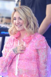Julia Michaels Performs at Today Show Citi Concert Series in New York 2018/07/27 19