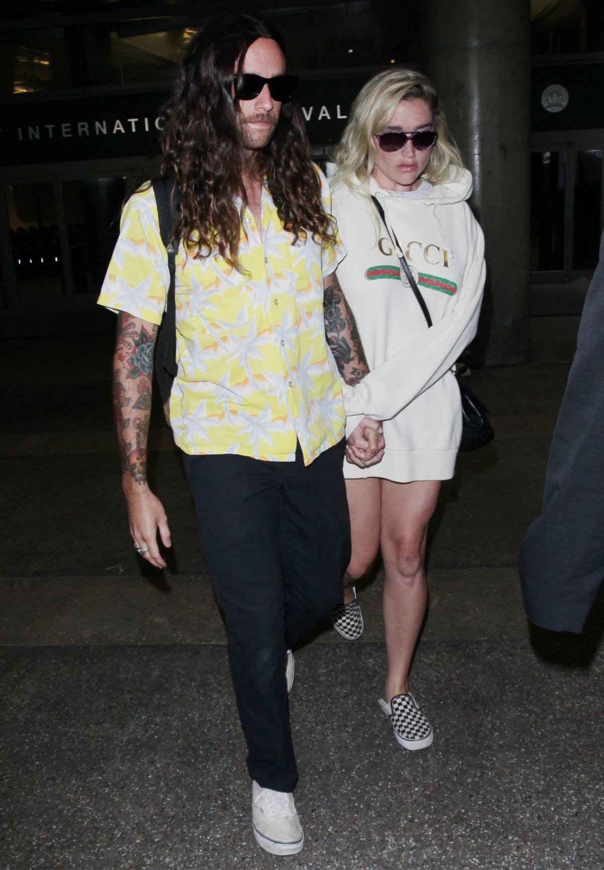 Kesha Sebert at Los Angeles International Airport 2018/08/16 1