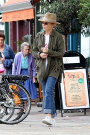 Kylie Minogue Out and About in Primrose Hill 2018/08/13 2