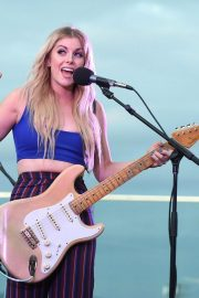 Lindsay Ell Performs at BFI Rooftop on the Row in Nashville 2018/08/21 6