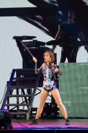 Lindsey Stirling Performs at Coral Sky Amphitheatre in Palm Beach 2018/08/18 11