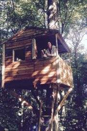 Lisa Appleton Forced to Live in Tree House in Wolverhampton 2018/08/14 8