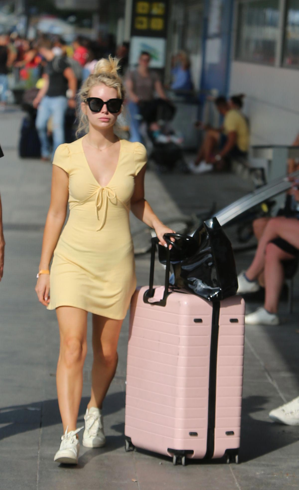 Lottie Moss Arrives at Airport in Ibiza 2018/08/11 1