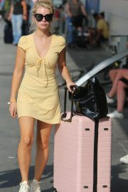 Lottie Moss Arrives at Airport in Ibiza 2018/08/11 7