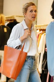 Maggie Gyllenhaal Shopping at Rachel Comey Boutique in New York 2018/08/19 1