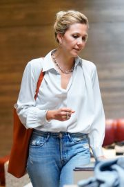 Maggie Gyllenhaal Shopping at Rachel Comey Boutique in New York 2018/08/19 2