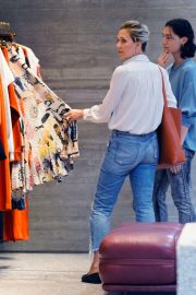 Maggie Gyllenhaal Shopping at Rachel Comey Boutique in New York 2018/08/19 6