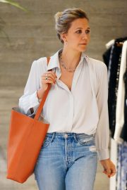 Maggie Gyllenhaal Shopping at Rachel Comey Boutique in New York 2018/08/19 10