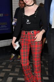 Maisie Williams Out and About in London 2018/08/22 1