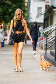 Martha Hunt Out with Her Dog in New York 2018/08/06 1