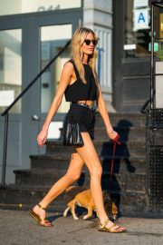 Martha Hunt Out with Her Dog in New York 2018/08/06 2
