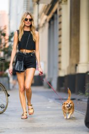 Martha Hunt Out with Her Dog in New York 2018/08/06 10