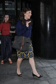 Mayim Bialik Out in New York 2018/08/09 2