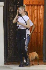 Nicola Peltz Out with Her Dog in Beverly Hills 2018/07/26 7