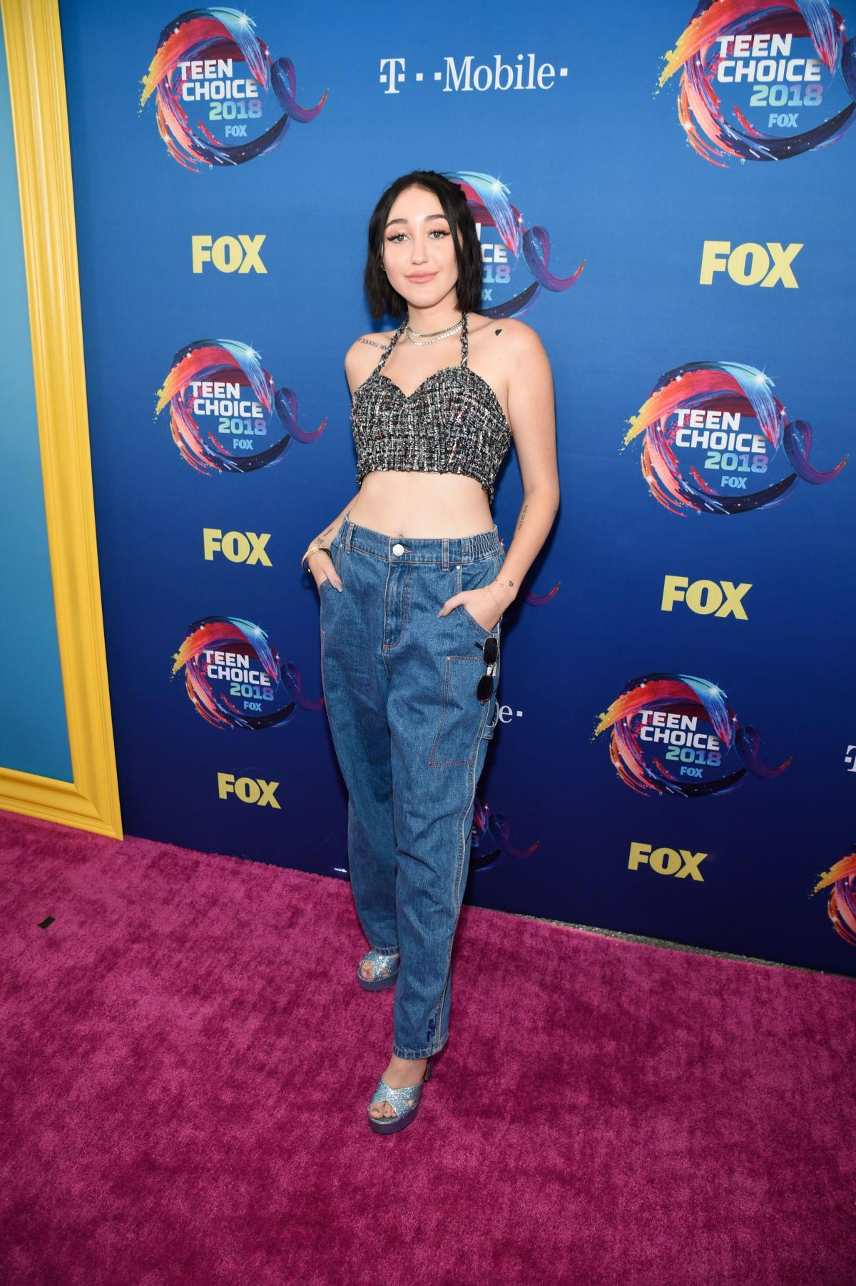 Noah Cyrus at 2018 Teen Choice Awards in Beverly Hills 2018/08/12 1